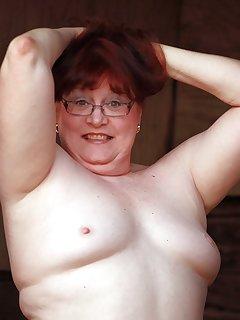 Chubby Small-tits Pics